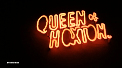 Queen-of-Hoxton-Sign